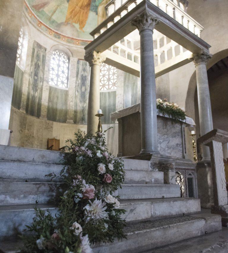 allestimenti floreali matrimonio giulia e fabrizio villa livia chiesa san giorgio al velabro