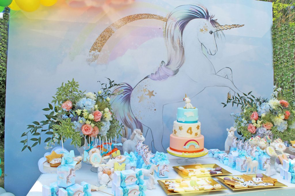 allestimento sweet table tema unicorno