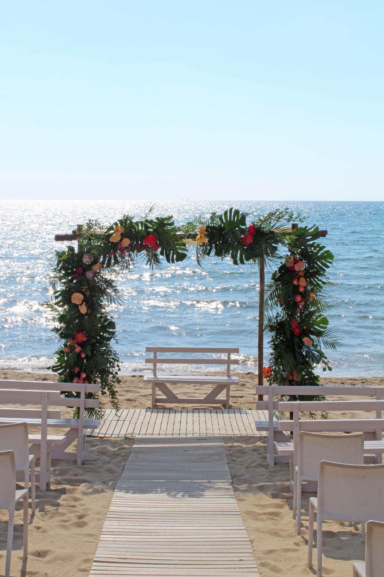 Matrimonio Spiaggia Sabaudia : E e: matrimonio tropical sulla spiaggia ilaria marrocco design
